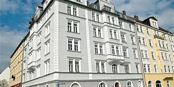 Exklusiv sanierte herrschaftliche 5-Zimmer-Altbauwohnung, ruhig, mit Lift