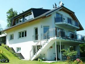 Wunderschöne, moderne Niedrigenergiehaus-Villa mit unglaublichem Rheinpanorama